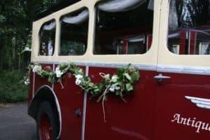 Citroën ceremoniebus bloemenguirlandes