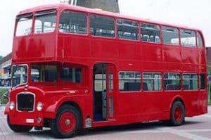 Engelse dubbeldeksbus voor evenementen