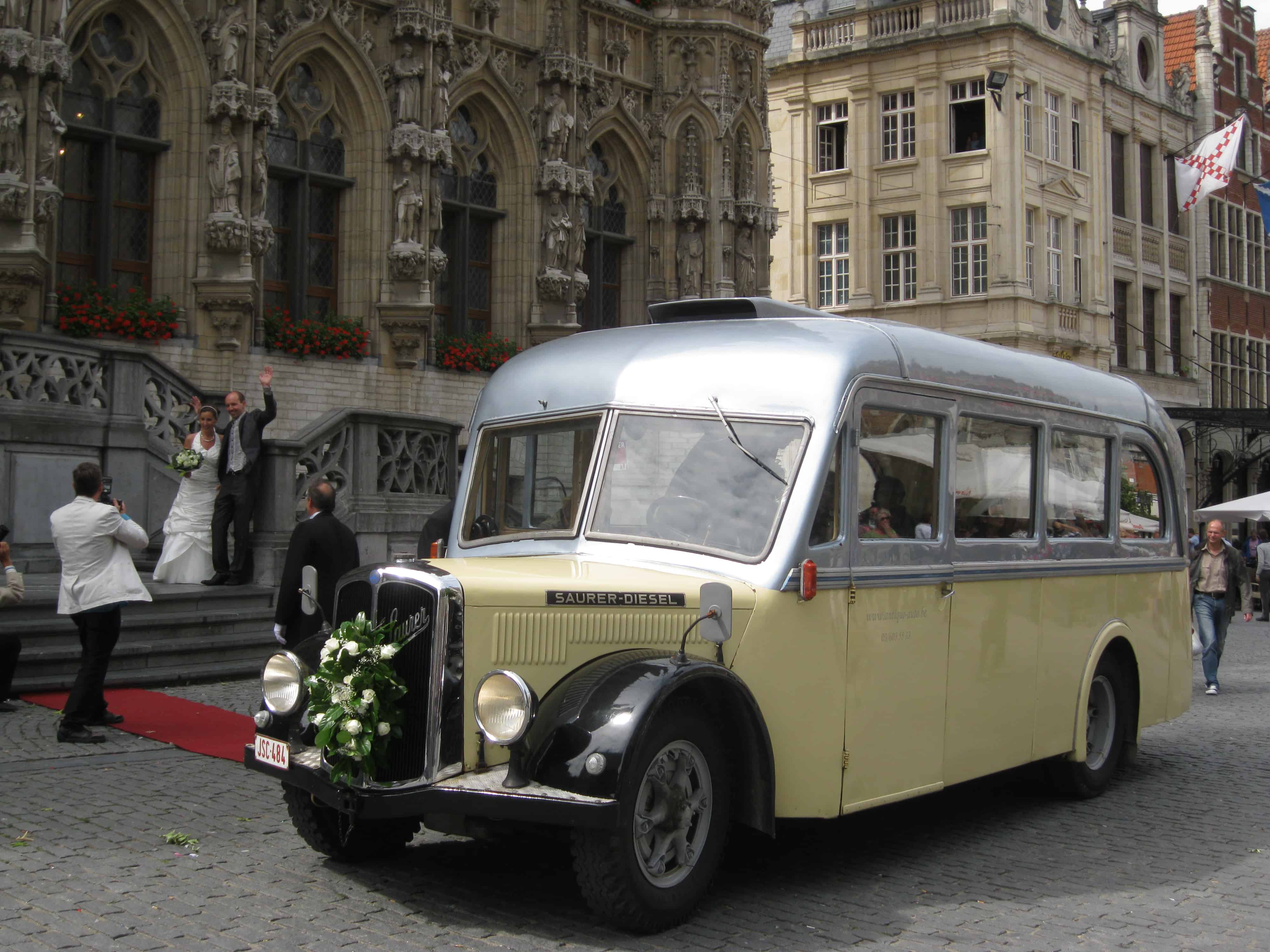 Saurer bus trouw huwelijk