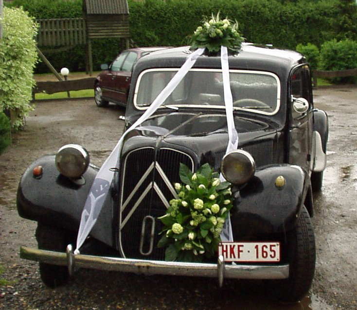 Citroën Traction Avant zwart trouwauto