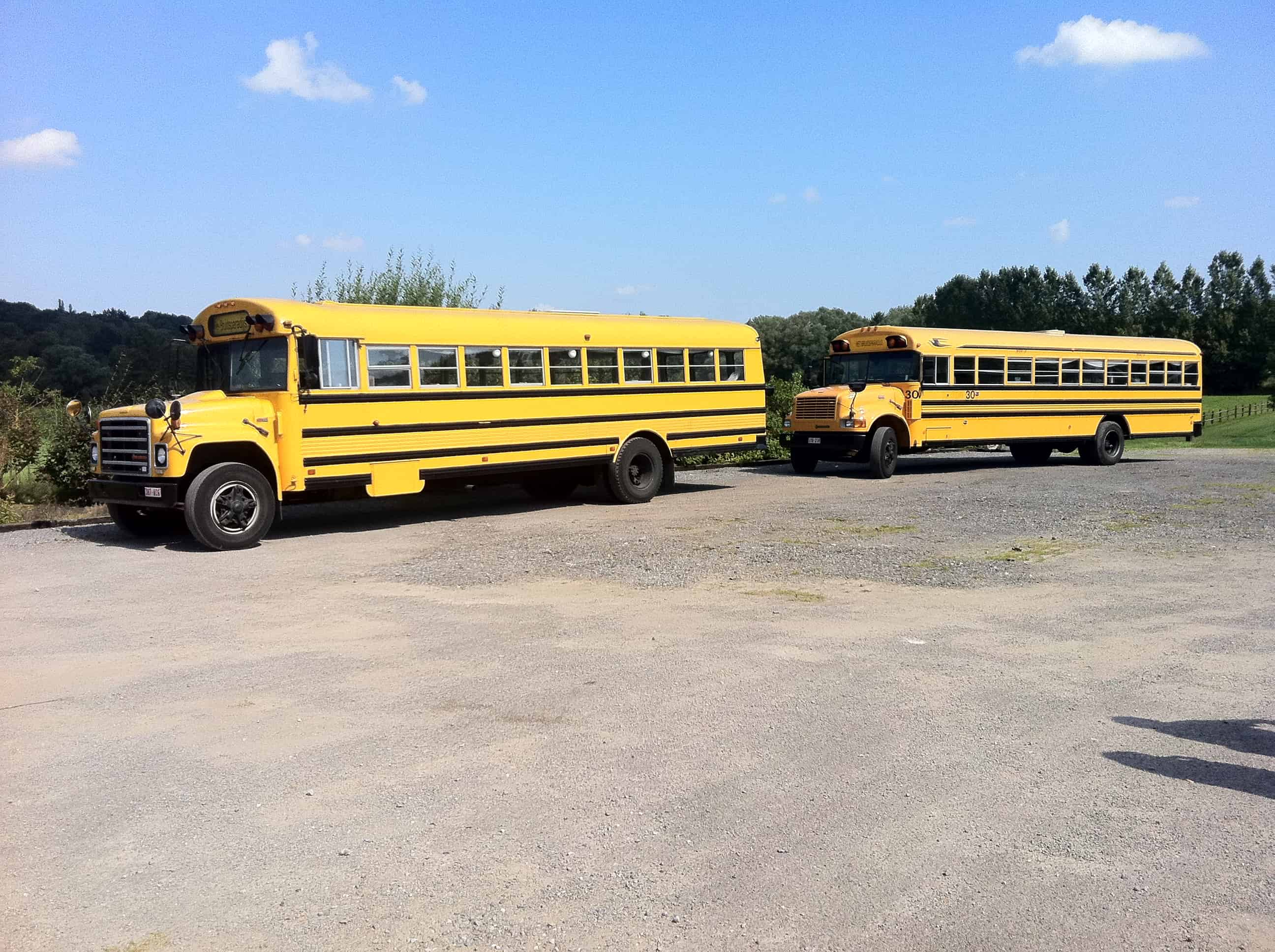 Amerikaanse schoolbussen als ceremoniebus
