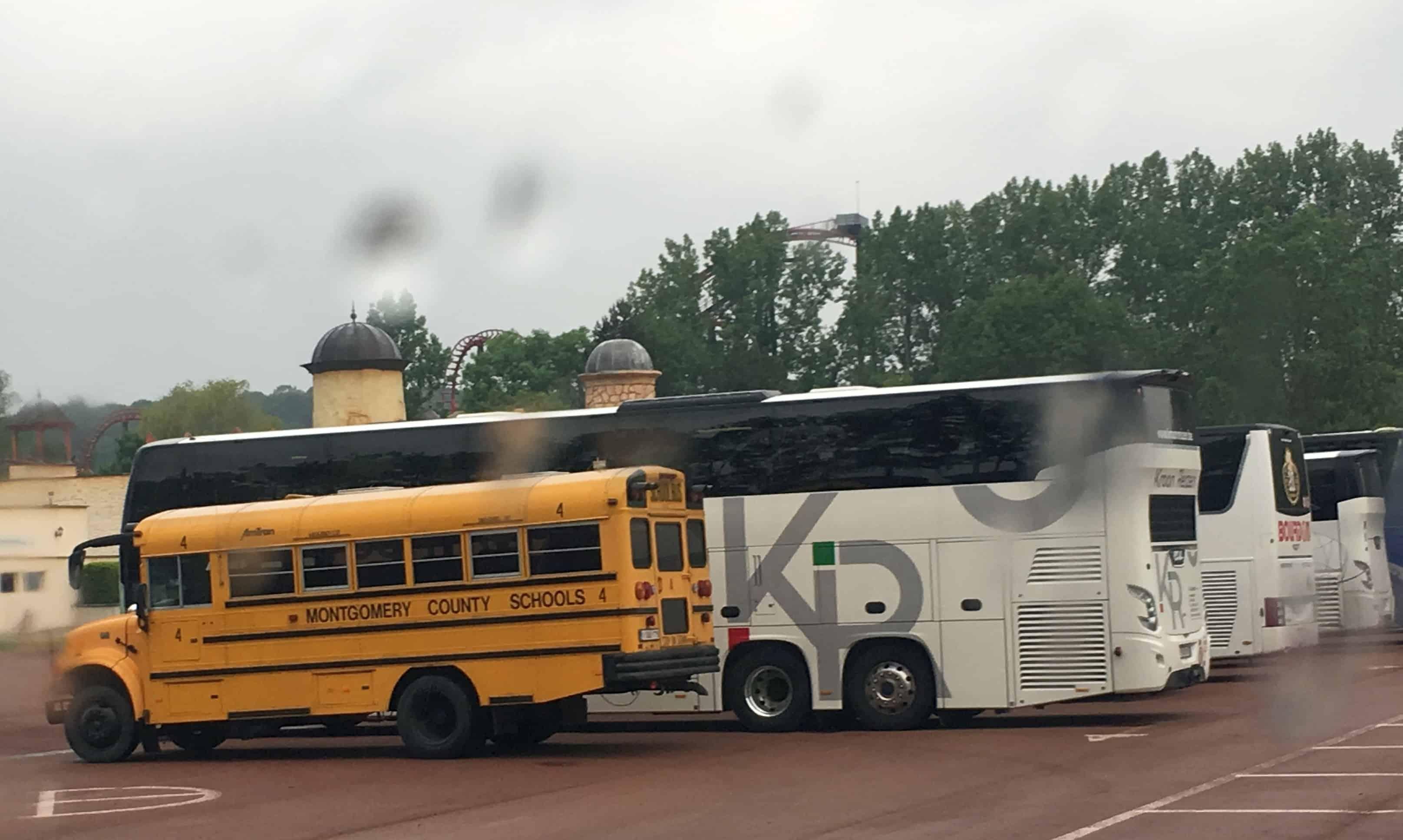 Amerikaanse schoolbus klein gezelschap