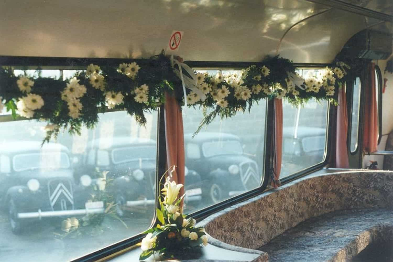 witte DAF-bus van 1981 ceremoniebus met gezellig saloninterieur