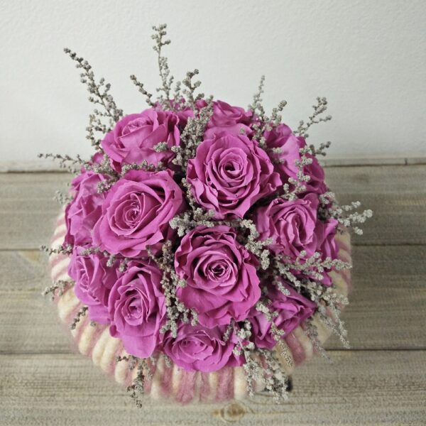 Bruidsboeket gevriesdroogd DAV004 purperen rozen