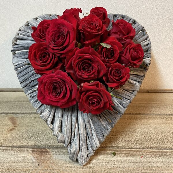 Valentijnsgeschenk Rode Rozen Hartschaal grijs Groot