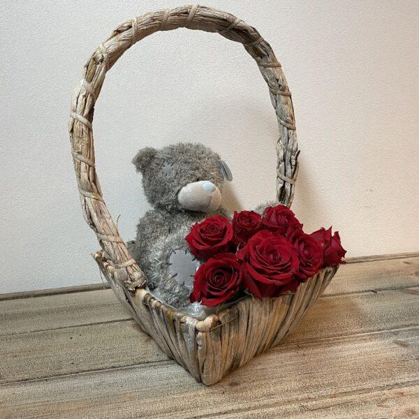 Valentijn Verse Rode Rozen in Mand met Beer Me To You