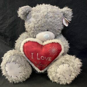 """Beer Me To You rood hart, witte boord, tekst """"I Love You"""" 50cm"""