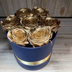 Boeket Gevriesdroogde Gouden Rozen in Blauwe Pot