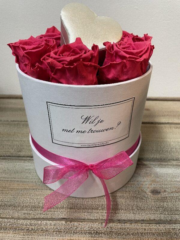 Boeket met Gevriesdroogde fuchsia rozen