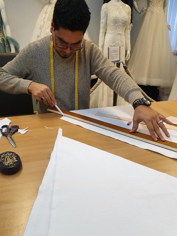 Trouwjurken Op Maat Ontwerpen en Retoucheren in Eigen Atelier