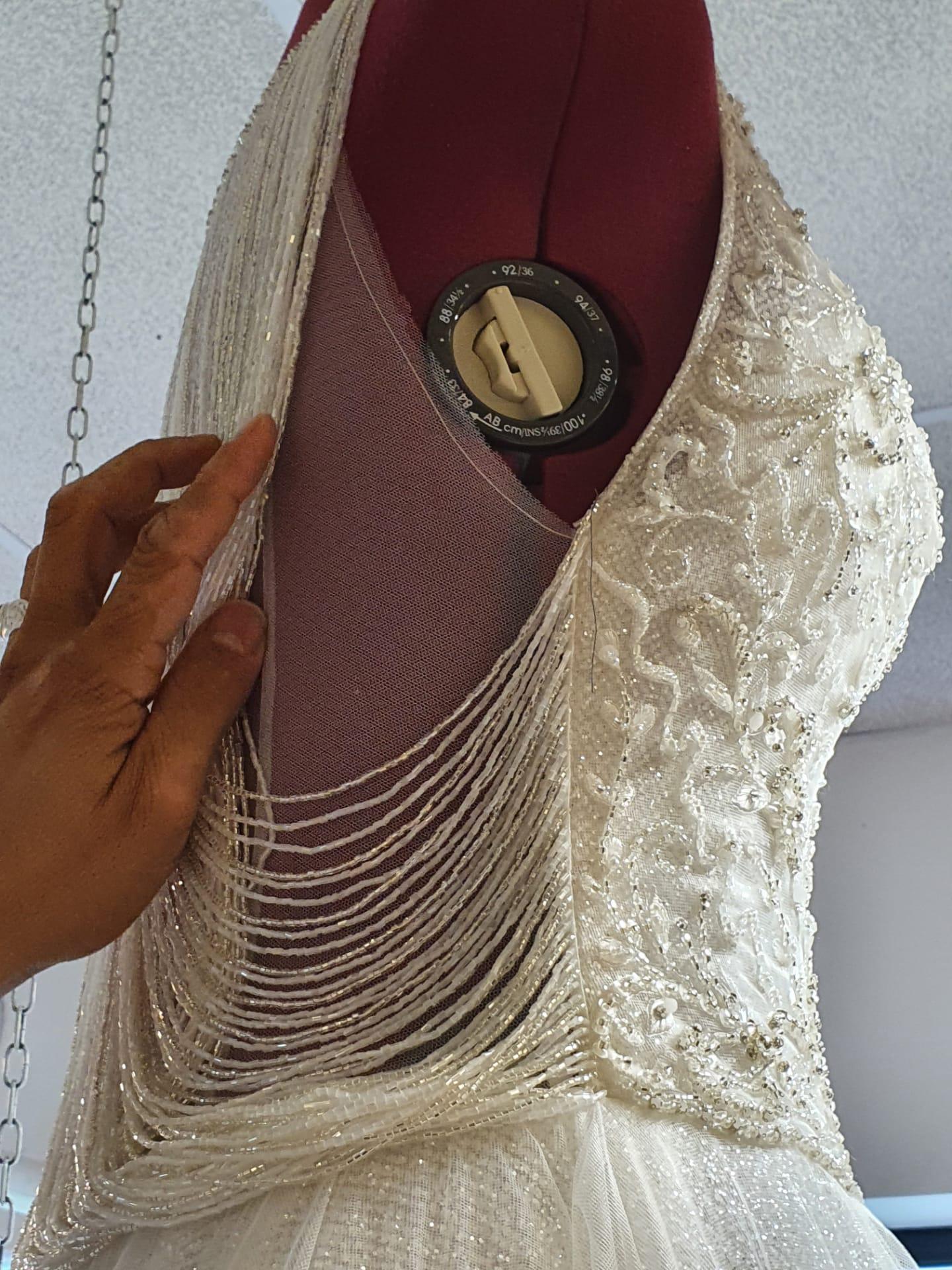 Retouche Atelier Bruidsparadijs Trouwjurk op Maat Zetten 1