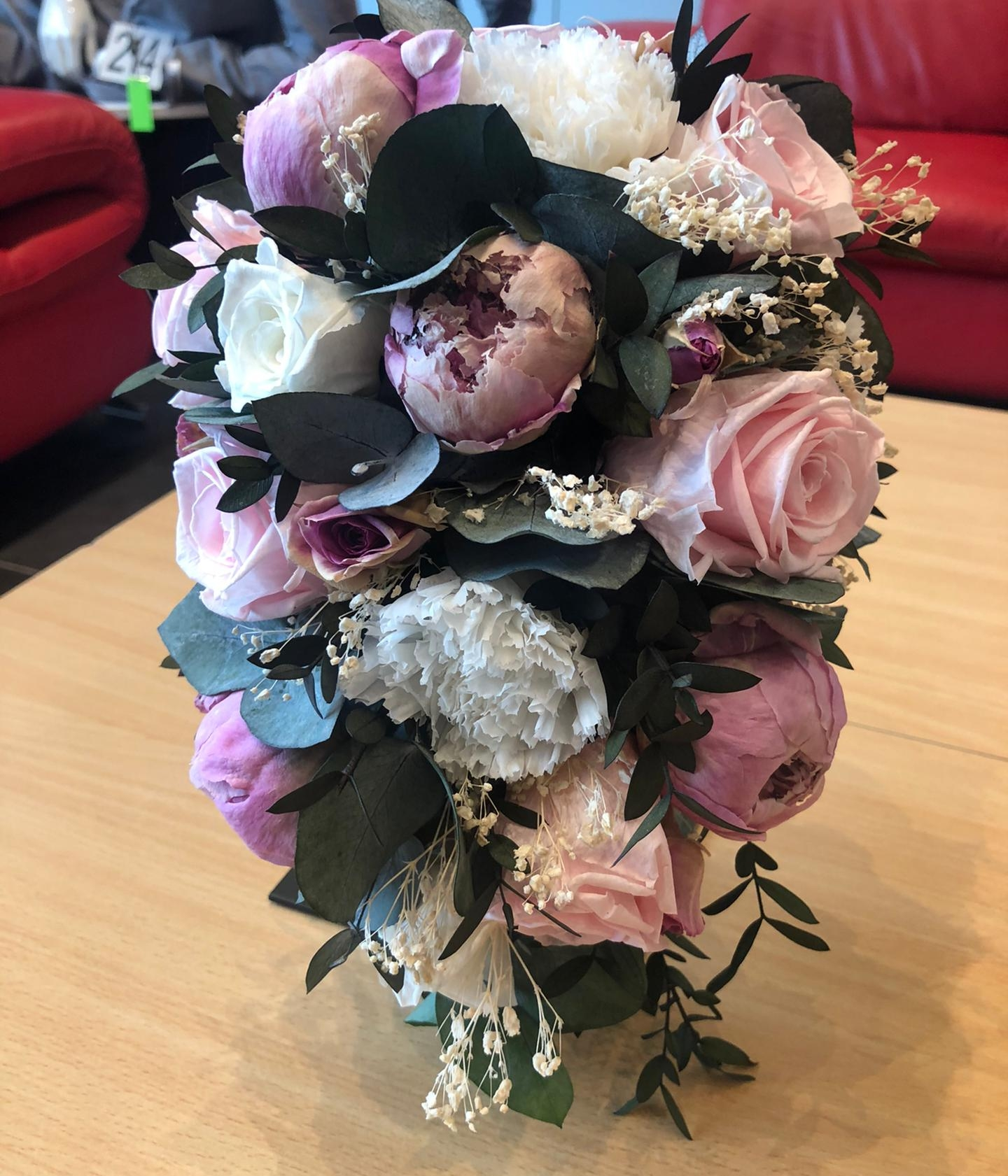Bruidsboeket met Gevriesdroogde droogbloemen roze Pioenen